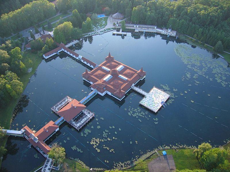 héviz jazero najvacsie termalne jazero v europe