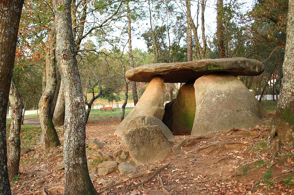dolmen z axeitosu